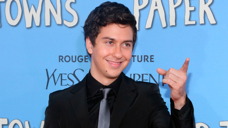 Nat Wolff (The Fault in Our Stars, Paper Towns) é Light Turner