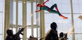 Gameplay de Spider-Man com luta contra Kingpin