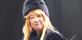Governadora de Tóquio com cosplay de Galaxy Express 999
