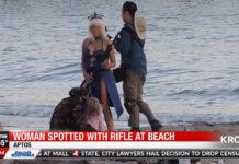 Cosplayer de Saber espalha Pânico em praia!