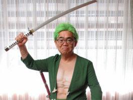 Governador de Aichi com Cosplay de One Piece